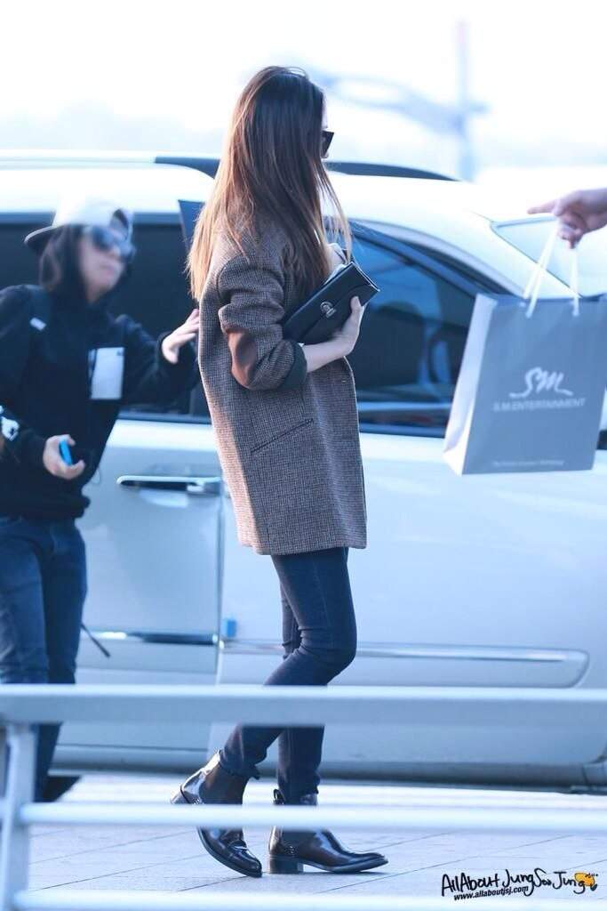 Krystal Jung Fashion Airport K Pop Amino