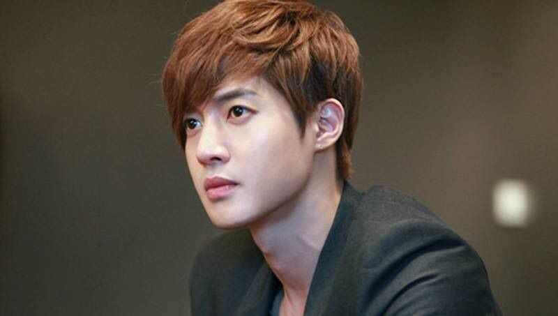 Kim Hyun Joong denies punching and kicking his girlfriend